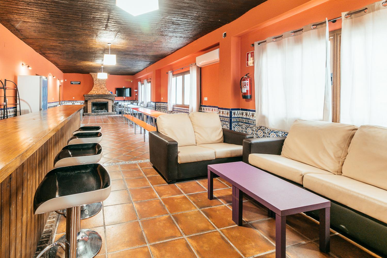 Sala en Alhendín - Zona 2 (HORARIO DE MAÑANA DE VIERNES A DOMINGO, FESTIVOS Y VÍSPERAS)